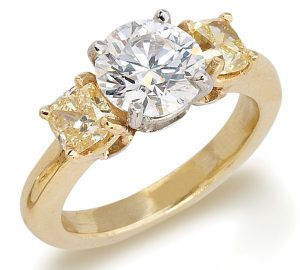 Beautiful 2.01 Carat Diamond Ring Set in 18K Gold