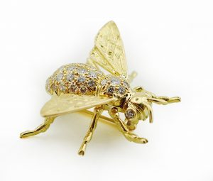 Bee with 18K Yellow Gold & Diamonds